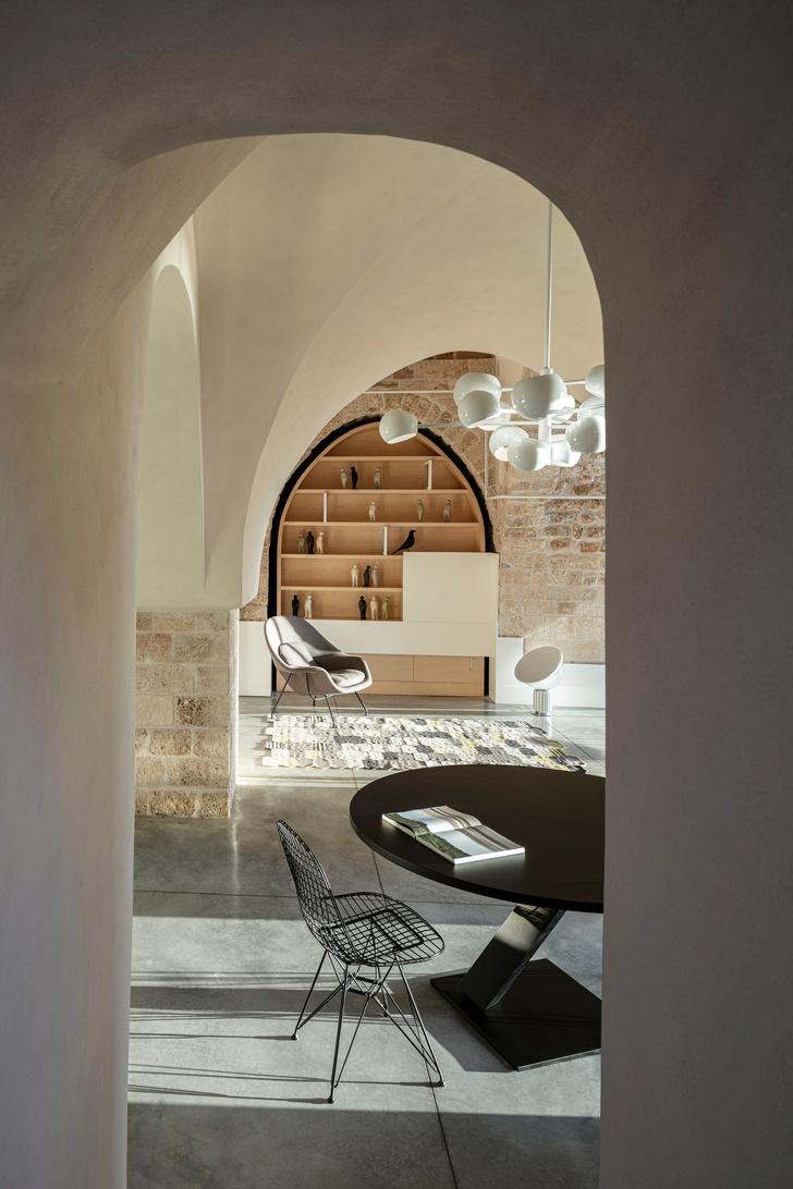 Минималистичная квартира в старом доме Яффы (фото 11)