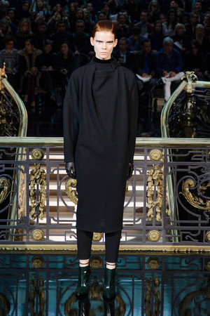 Показ John Galliano коллекции сезона Осень-зима 2013-2014 года prêt-à-porter - www.elle.ru - Подиум - фото 543222