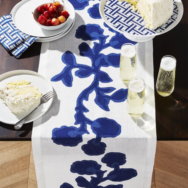 Риз Уизерспун выпустила коллекцию посуды и текстиля (фото 2)