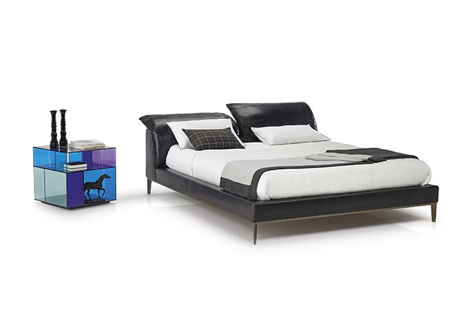 Кровать Vela от Natuzzi Italia
