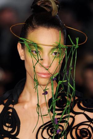 Показ Maurizio Galante коллекции сезона Весна-лето 2012 года Haute couture - www.elle.ru - Подиум - фото 331209