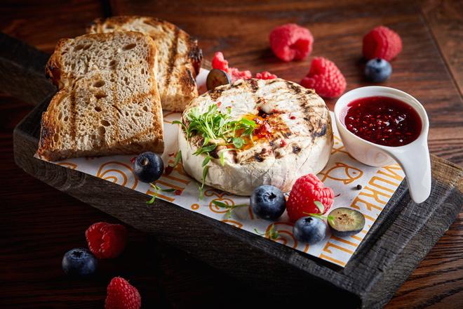 Красивые завтраки, обеды и ужины ко Дню всех влюбленных (фото 15)