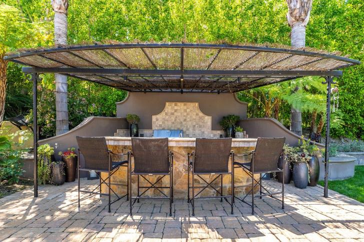 Актриса Кейли Куоко продает свой дом в Лос-Анджелесе (фото 23)