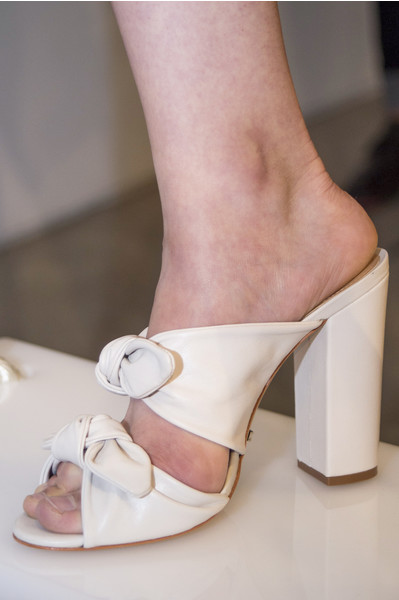 Тренды обуви 2018 сабо
