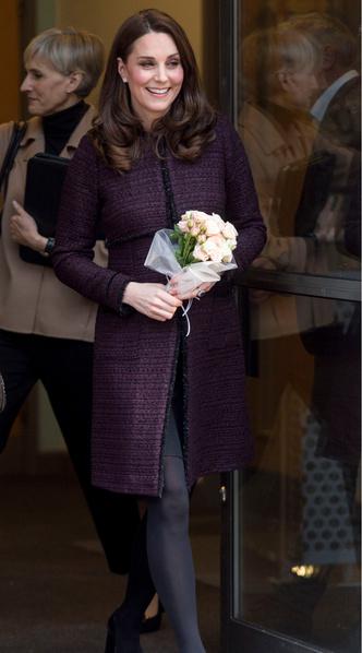 Новый выход беременной Кейт Миддлтон (фото 2)