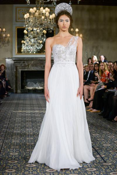 50 самых красивых платьев со Свадебной Недели Моды в Нью-Йорке | галерея [1] фото [7]