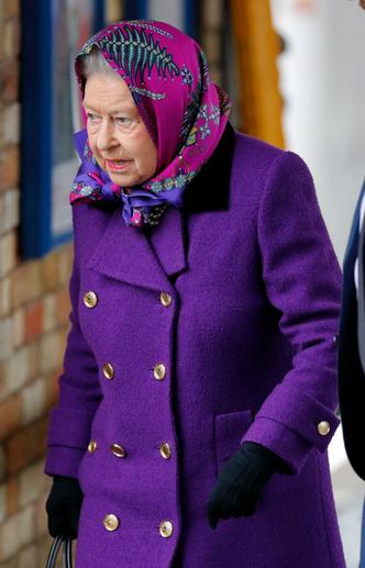 Королевский экспресс: Елизавета II отправилась в Норфолк на обычном поезде (фото 5)