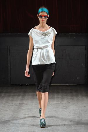 Показы мод Tim Van Steenbergen Весна-лето 2011 | Подиум на ELLE - Подиум - фото 2482