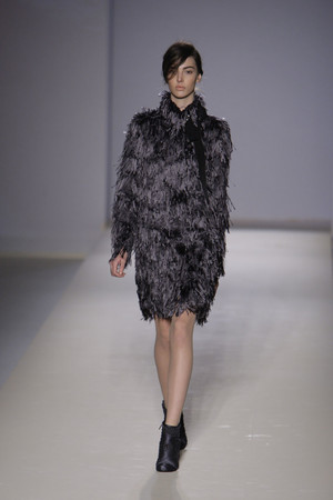Показы мод Alberta Ferretti Осень-зима 2010-2011 | Подиум на ELLE - Подиум - фото 2769