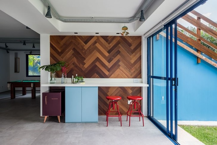 Яркий дом для отдыха на выходных в Сан-Паулу (фото 12)