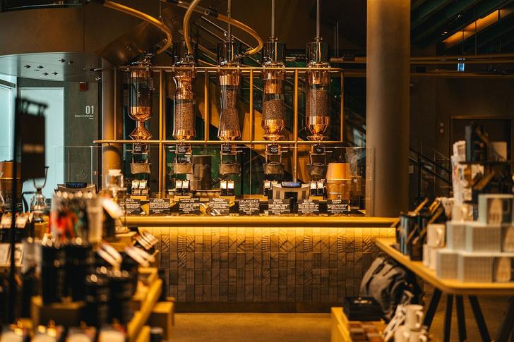 Самый большой Starbucks открылся в Чикаго (фото 3)