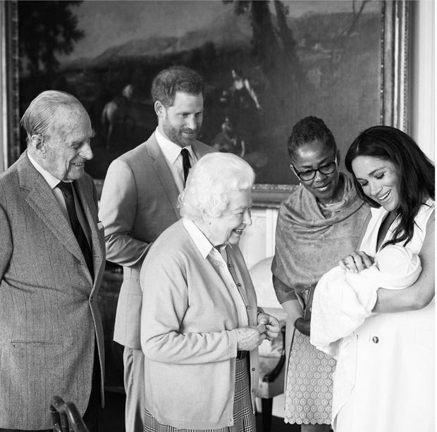 Самый милый при дворе: первый год жизни сына Меган и Гарри в 10 фотографиях (фото 5)