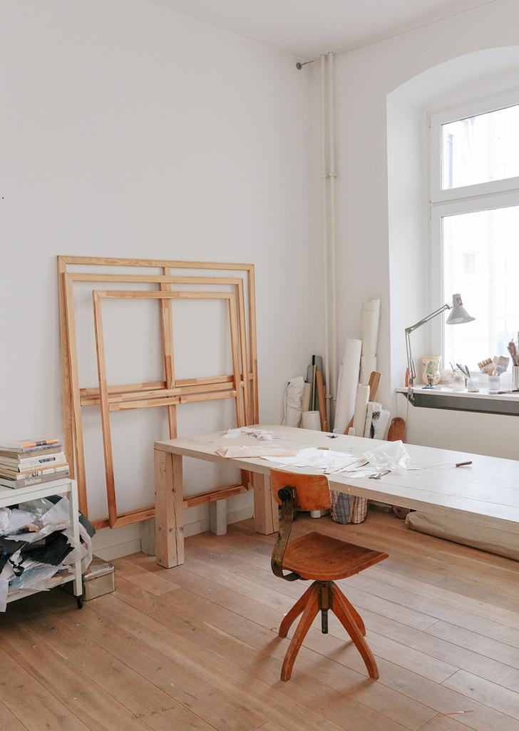 Светлая квартира художницы Ким Бартельт в Берлине (фото 20)