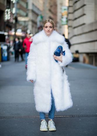 Что носят на Неделе моды в Нью-Йорке: 12 стритстайл-трендов (фото 11.2)