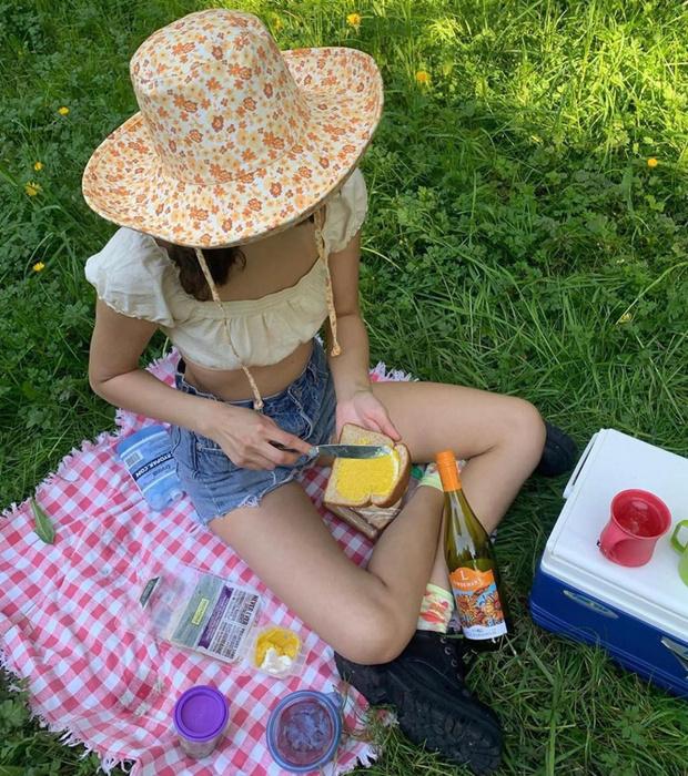 Самый модный аксессуар этого лета: почему нам нужна панама как у Аманды Стил и датских блогеров (фото 12)