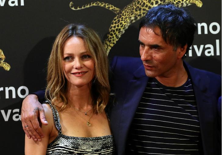 Ванесса Паради и Самюэль Беншетри на премьере фильма «Собака»