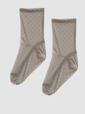 Микротренд: кроссовки + прозрачные носки (фото 10.2)