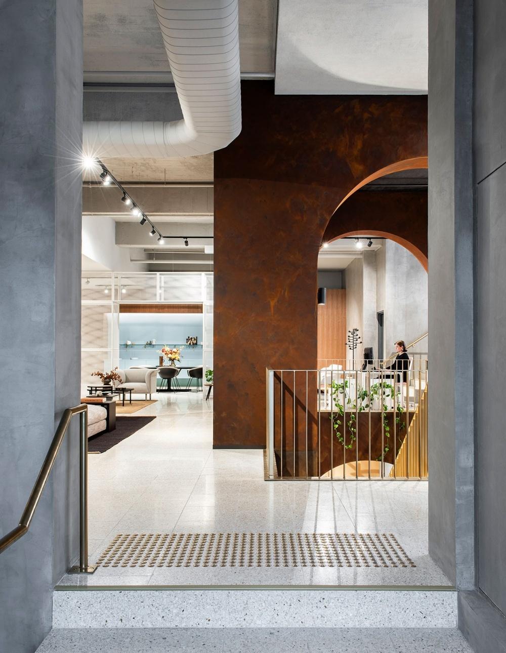 Индустриальный шик: мебельный бутик в Мельбурне (галерея 3, фото 3)