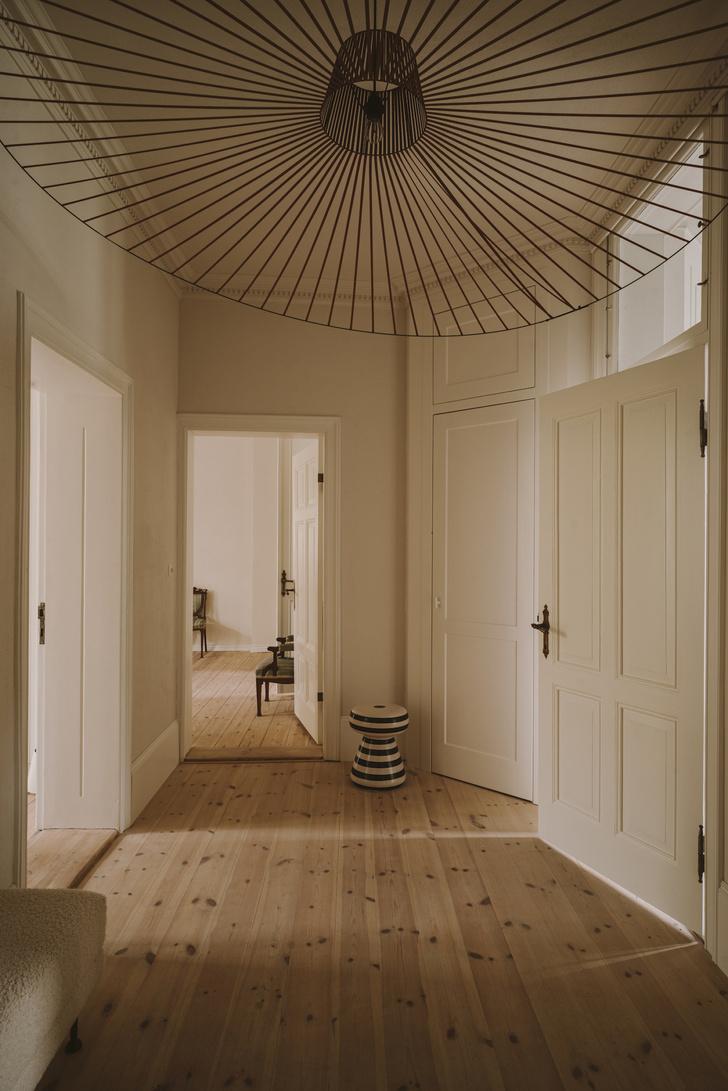 Элегантная квартира в довоенном доме (фото 1)