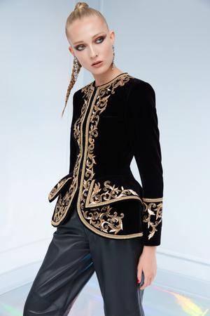 Maison Bohemique представил лукбук коллекции couture осень-зима 18/19 (фото 15.1)