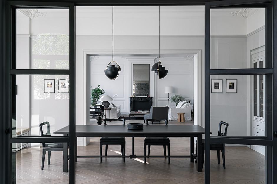 Черно-белые интерьеры: 30+ вдохновляющих примеров (галерея 1, фото 3)