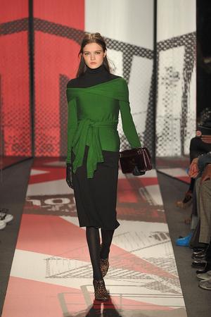 Показ DKNY коллекции сезона Осень-зима 2009-2010 года prêt-à-porter - www.elle.ru - Подиум - фото 89998