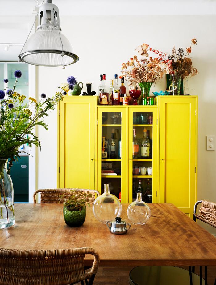 Желтый цвет в интерьере: советы и приемы (фото 24)