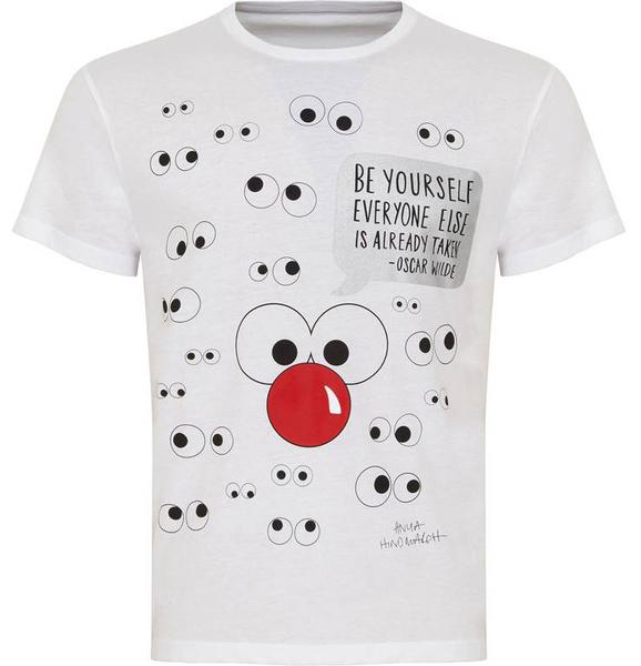 Известные дизайнеры создали футболки ко Дню красного носа | галерея [1] фото [4]
