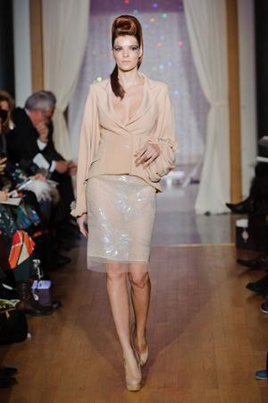 Показ Eric Tibusch коллекции сезона Весна-лето 2013 года Haute couture - www.elle.ru - Подиум - фото 478421