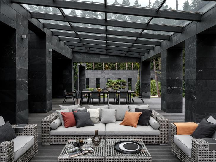 Современный дом  4500 м² с красивым садом на Новой Риге: проект бюро Woodstone (фото 22)