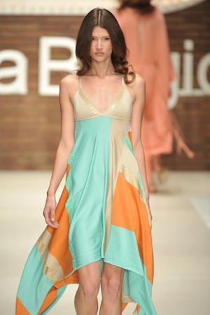 Показ Laura Biagiotti коллекции сезона Весна-лето 2009 года Prêt-à-porter - www.elle.ru - Подиум - фото 82513