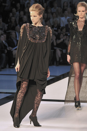 Показ  коллекции сезона Осень-зима 2009-2010 года Haute couture - www.elle.ru - Подиум - фото 87230