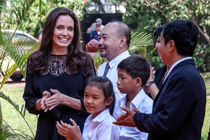 Анджелина Джоли в Камбодже