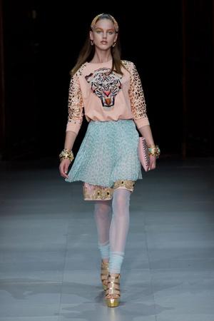 Показы мод Manish Arora Весна-лето 2013 | Подиум на ELLE - Подиум - фото 1045