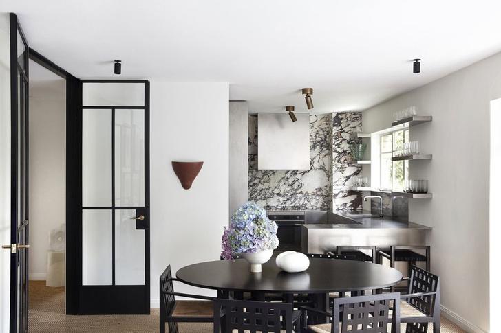 Монохромный интерьер квартиры в Австралии (фото 5)