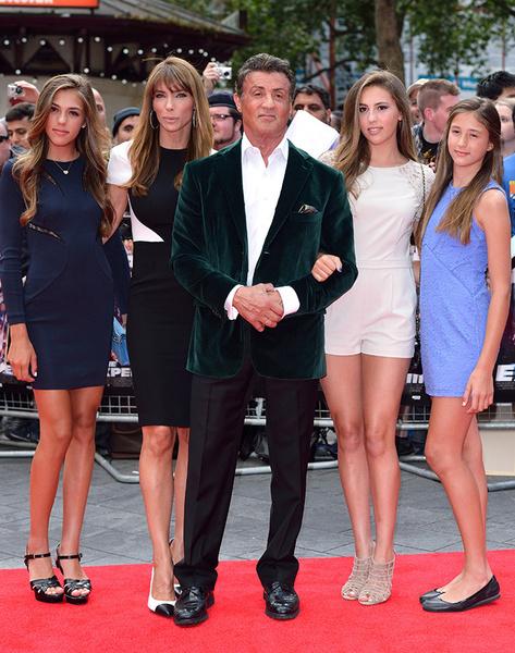 Сильвестр Сталлоне с супругой и дочерьми