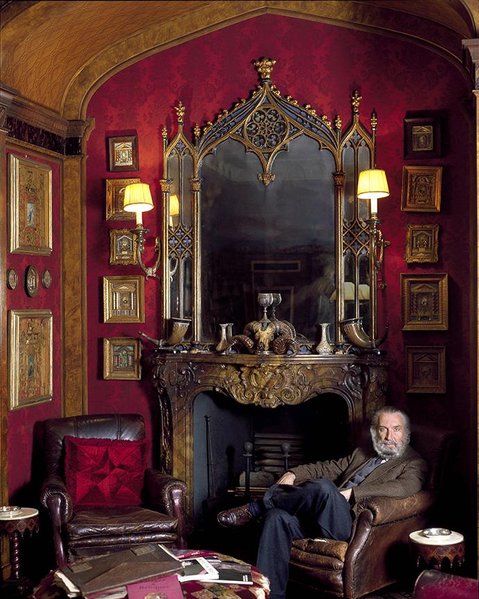 Ренцо Монжардино в гостиной своего дома в Милане.