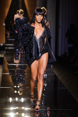Показы мод Versace Haute Couture Осень-зима 2013-2014 | Подиум на ELLE - Подиум - фото 3503