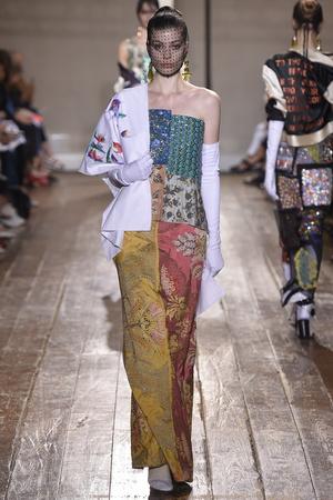 Показ Maison Martin Margiela коллекции сезона Осень-зима 2014-2015 года haute couture - www.elle.ru - Подиум - фото 585104