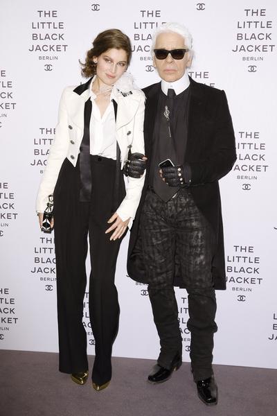 Laetitia Casta and Karl Lagerfeld3