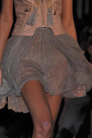 Показ Sophia Kokosalaki коллекции сезона Весна-лето 2010 года Prêt-à-porter - www.elle.ru - Подиум - фото 120883