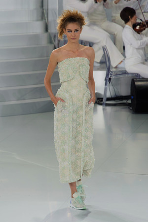 Показ Chanel коллекции сезона Весна-лето 2014 года haute couture - www.elle.ru - Подиум - фото 574487