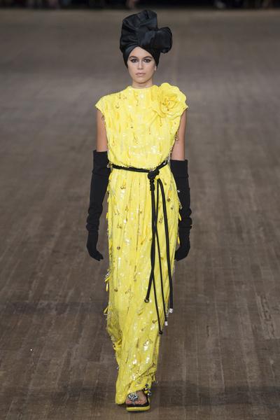 Как прошла первая неделя моды для 16-летней Кайи Гербер | галерея [1] фото [5]