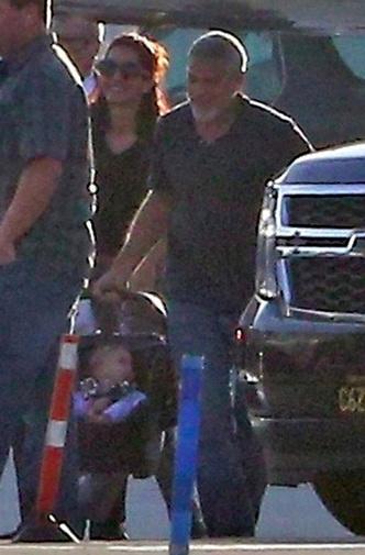 Джордж и Амаль Клуни с детьми фото