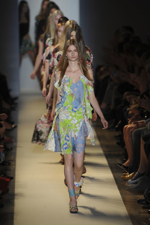 Показ Vanessa Bruno коллекции сезона Весна-лето 2011 года prêt-à-porter - www.elle.ru - Подиум - фото 189993