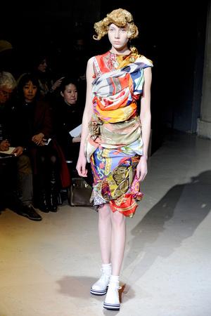 Показы мод Comme des Garcons Осень-зима 2011-2012 | Подиум на ELLE - Подиум - фото 2144
