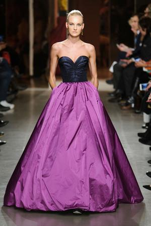 Показы мод Oscar de la Renta Осень-зима 2015-2016 | Подиум на ELLE - Подиум - фото 4246