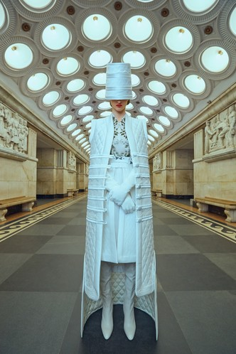 Свадебные платья в стиле 50-х, шляпы и безупречная вышивка: лукбук Edem (фото 3.1)