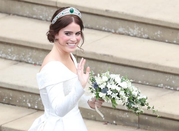 Почему принцессы-невесты не бросают свой букет подружкам? (фото 1)