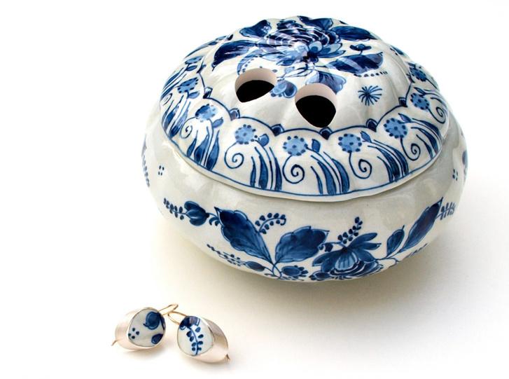 Пунктирная линия: керамические украшения Гезине Хакенберг (фото 5)
